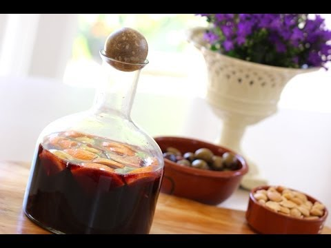 Beth's Sangria + Non-Alcoholic Sangria Recipe | ENTERTAINING WITH BETH