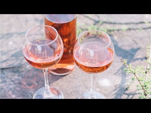 Why You Should Be Drinking Rosé Wine